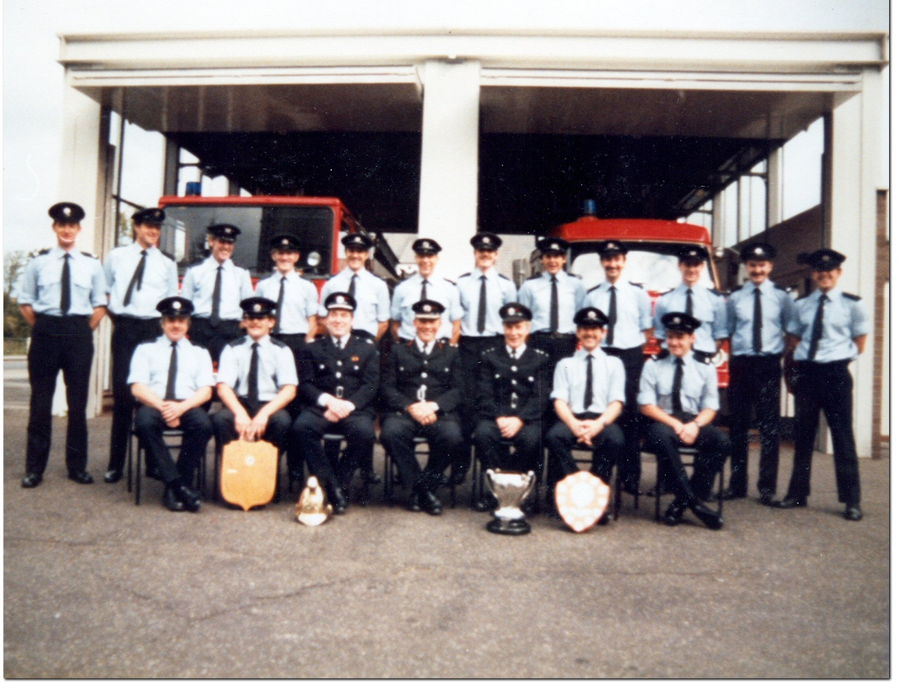 Group photo of Godalming Crew 1985